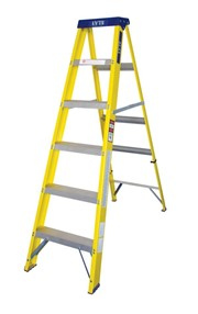 6 TRED FIBREGLASS STEPLADDER